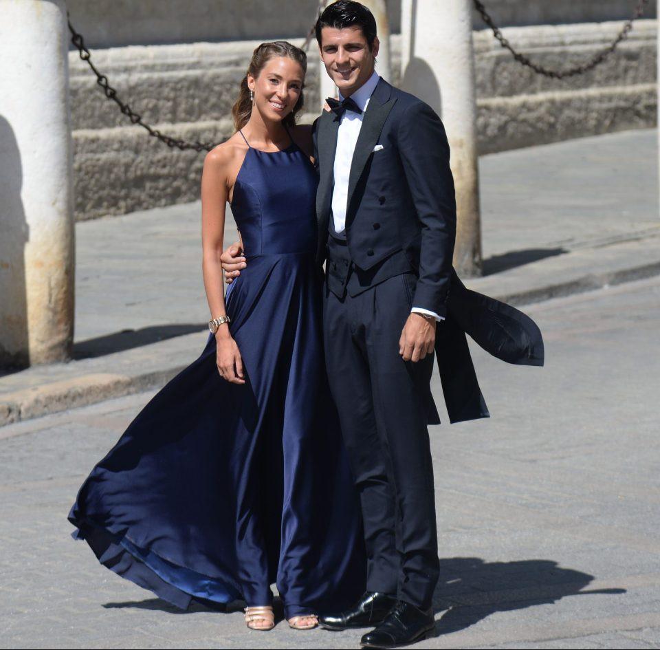 Thần thái vợ chồng Beckham áp đảo toàn bộ khách mời đến dự đám cưới xa hoa của đội trưởng Real Madrid - Ảnh 14.