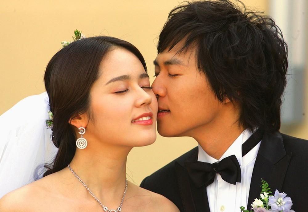 Cuộc hôn nhân phim giả tình thật đáng ngưỡng mộ của Han Ga In: Một lần hợp tác, dính voucher phu thê cả đời - Ảnh 8.