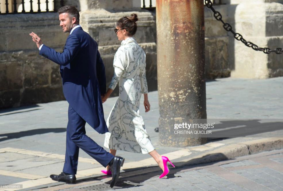 Thần thái vợ chồng Beckham áp đảo toàn bộ khách mời đến dự đám cưới xa hoa của đội trưởng Real Madrid - Ảnh 8.