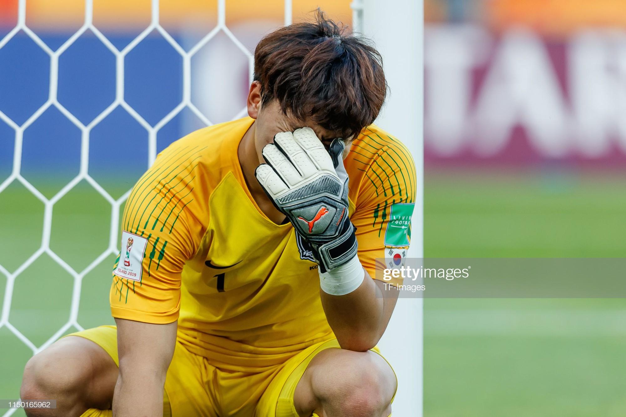 Đội bóng quê hương HLV Park Hang-seo ôm nhau khóc nấc khi thua ngược ở chung kết đấu trường World Cup - Ảnh 10.