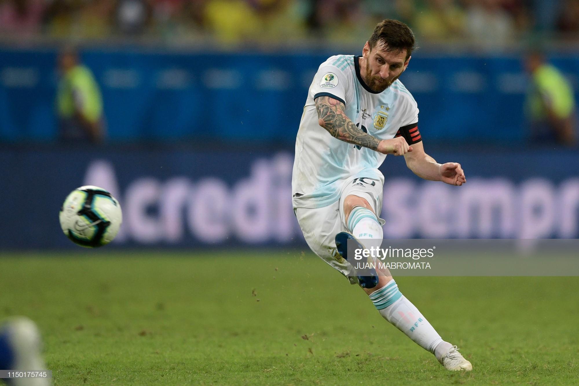 Messi mờ nhạt, Argentina nhận thất bại tủi hổ ở trận ra quân Copa America - Ảnh 4.