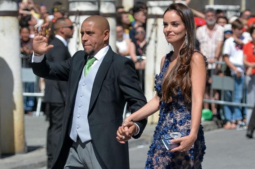 Thần thái vợ chồng Beckham áp đảo toàn bộ khách mời đến dự đám cưới xa hoa của đội trưởng Real Madrid - Ảnh 11.