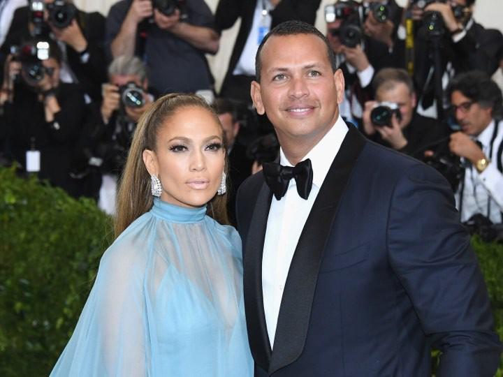Jennifer Lopez rục rịch chuẩn bị đám cưới lần thứ 4 ở độ tuổi 50 - Ảnh 1.