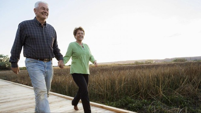 Cuối cùng khoa học cũng biết: Tại sao phụ nữ luôn sống thọ hơn nam giới? - Ảnh 3.