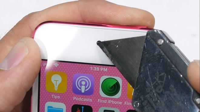 Thử độ bền iPod touch 2019: Hãy luôn dùng ốp nếu bạn muốn bảo vệ nó - Ảnh 7.
