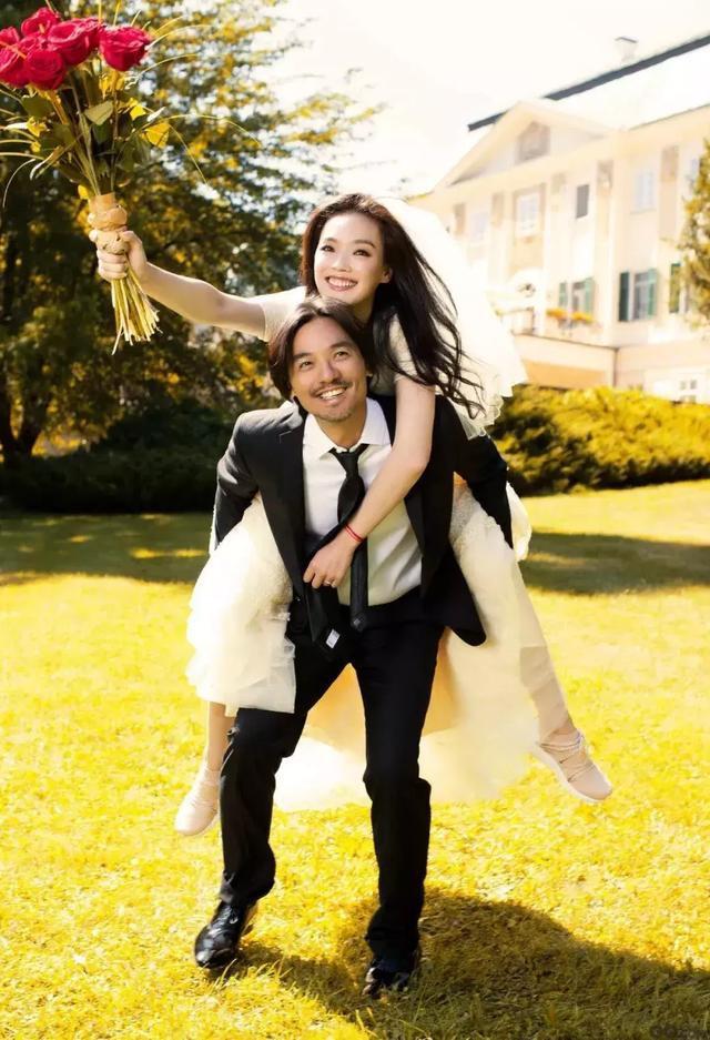 Gái hư Cbiz Thư Kỳ: Khổ vì ảnh nóng và xã hội đen, kết lại bằng hôn lễ chẳng siêu xe, kim cương bên bạn thân 20 năm - Ảnh 29.