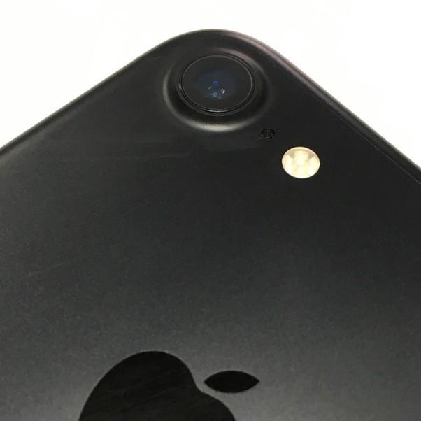 Ống kính smartphone được làm từ sapphire, vậy nó nghĩa là gì và bản chất ra sao? - Ảnh 1.