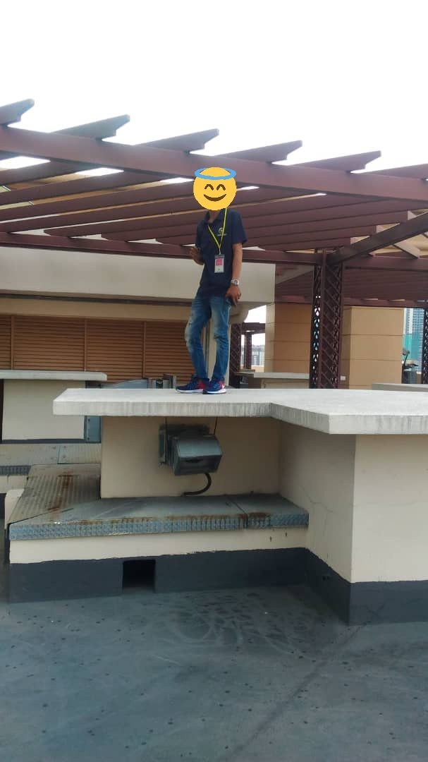 Xôn xao người đàn ông đứng trên sân thượng sắp nhảy lầu tự tử nhưng câu chuyện đằng sau lại hoàn toàn không như mọi người nghĩ - Ảnh 4.