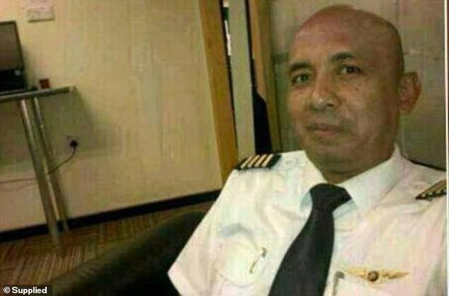 Tiết lộ mới gây sốc về MH370: Cơ trưởng có hành động lạ, hành khách có thể tử vong trước khi máy bay kịp rơi xuống biển - Ảnh 1.
