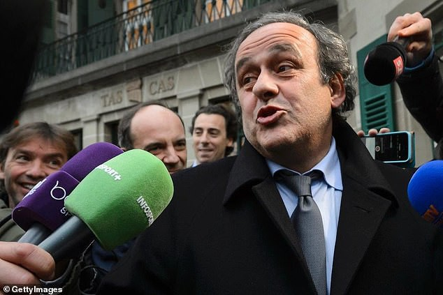 Cựu Chủ tịch LĐBĐ châu Âu bị bắt vì nghi nhận hối lộ, bán phiếu bầu để giúp nhà vô địch châu Á được đăng cai World Cup 2022 - Ảnh 1.