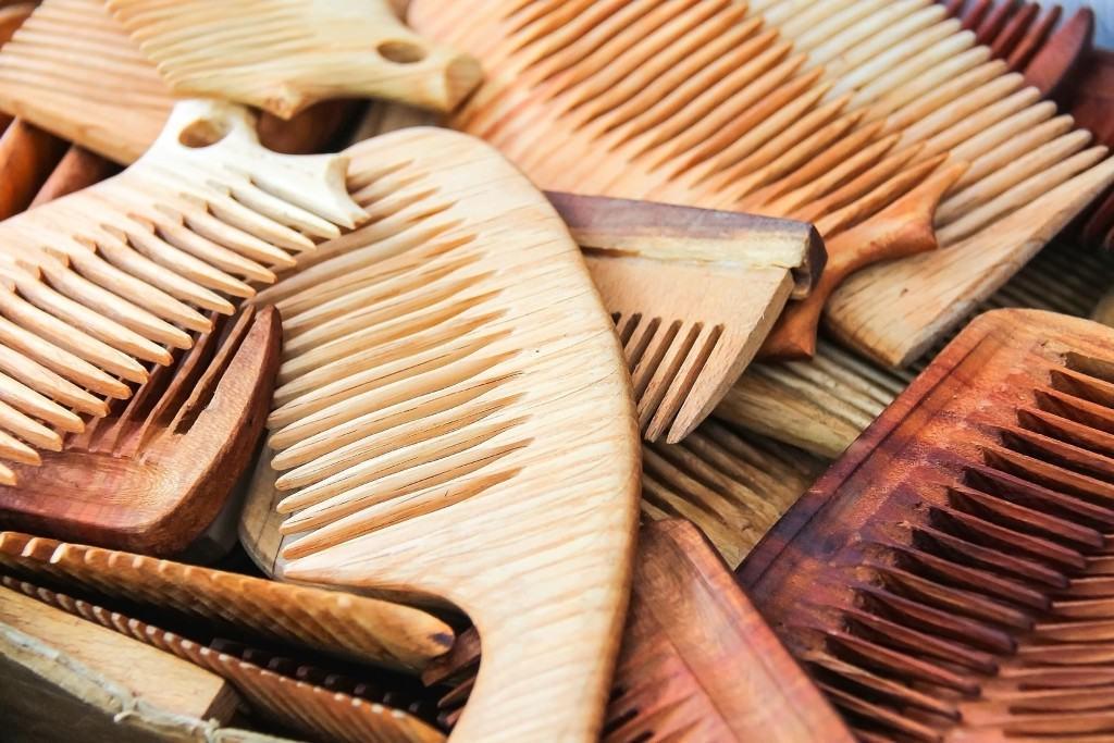 Đây chính là những sai lầm thường gặp khiến mái tóc của bạn ngày càng yếu dần - Ảnh 4.