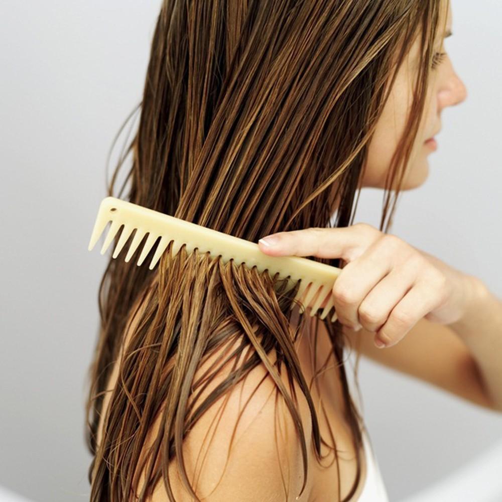 Đây chính là những sai lầm thường gặp khiến mái tóc của bạn ngày càng yếu dần - Ảnh 5.