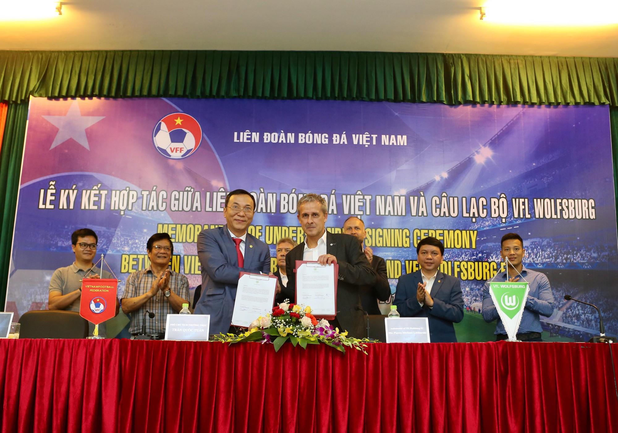 Cầu thủ trẻ Việt Nam chưa thể sang Đức thi đấu vì lý do này - Ảnh 4.