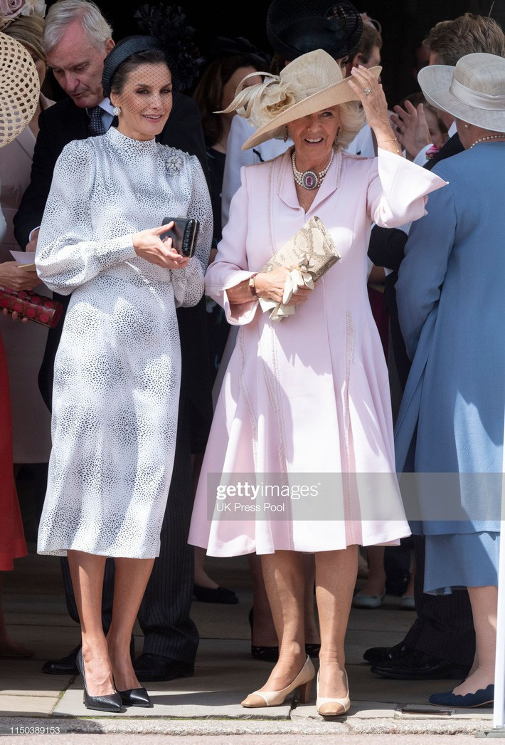 Cuộc đọ style Hoàng gia gay cấn: Trong khi Công nương Kate vẫn giữ hình ảnh cũ thì Hoàng hậu Letizia lại gây bất ngờ - Ảnh 6.