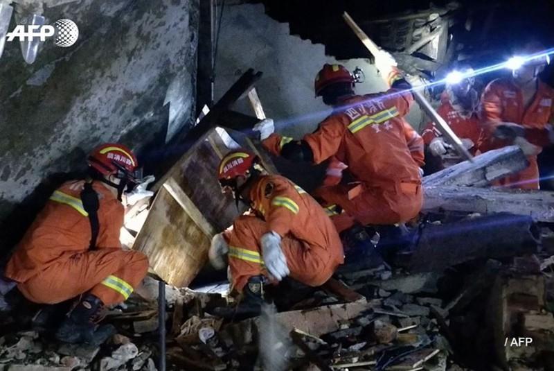 Ảnh: Hiện trường vụ động đất ở Tứ Xuyên làm gần 150 người thương vong - Ảnh 9.