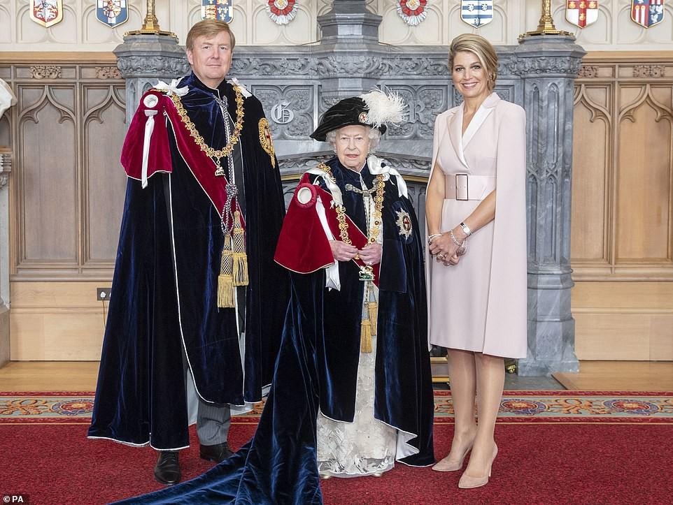 Cuộc đọ sắc có 1-0-2: Ba biểu tượng sắc đẹp của hoàng gia thế giới xuất hiện cùng nhau - Ảnh 6.