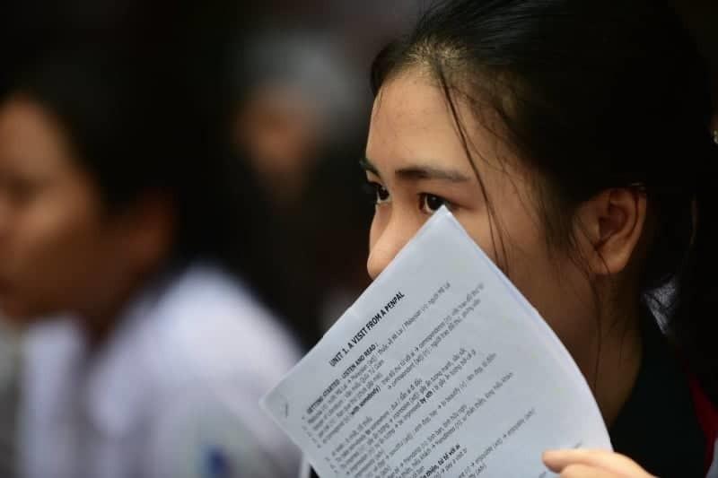 Hơn 8 điểm/môn mới trúng tuyển vào lớp 10 không chuyên ở TP.HCM - Ảnh 1.