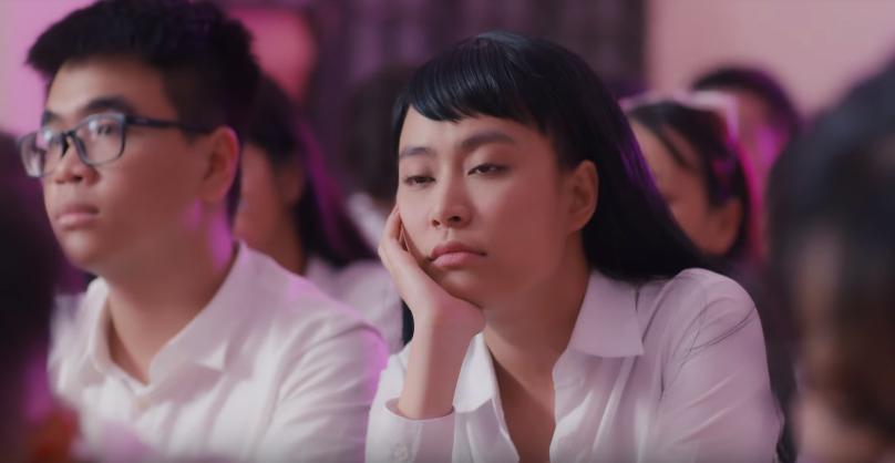 Thật thú vị: Cả vũ trụ văn học Việt Nam tụ hội trong MV Để Mị nói cho mà nghe của Hoàng Thùy Linh! - Ảnh 2.