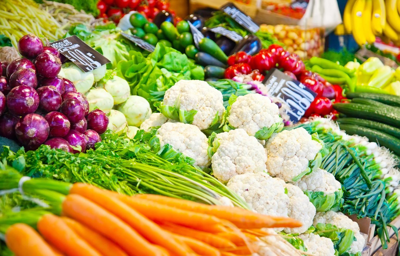 Nghiên cứu cho thấy: ăn ít trái cây và rau củ có thể dẫn đến hàng triệu cái chết mỗi năm - Ảnh 1.