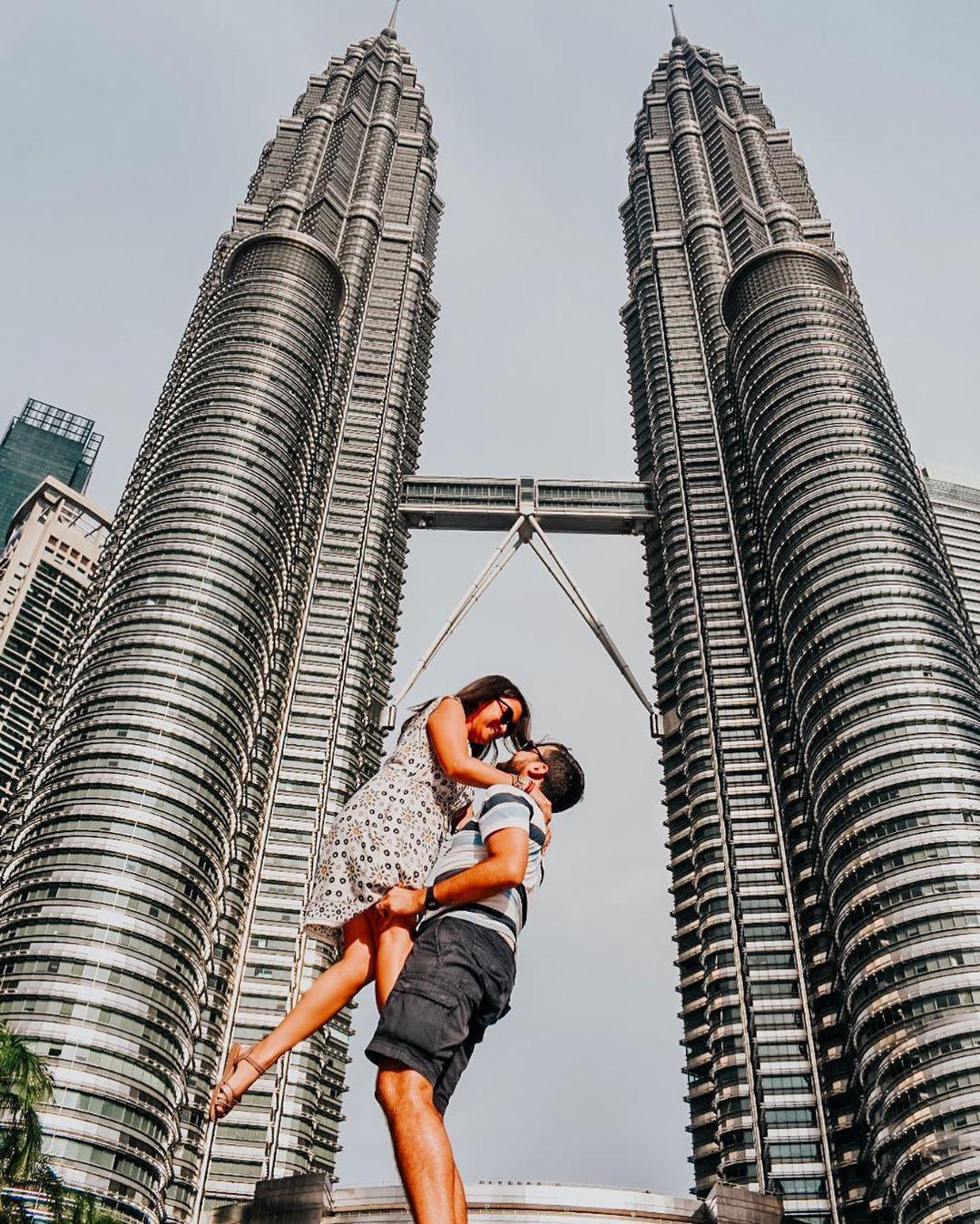 Có cả triệu người chụp ảnh dưới toà tháp Petronas Twin Tower nhưng không phải ai cũng biết bí quyết để có tấm ảnh lung linh nhất - Ảnh 4.
