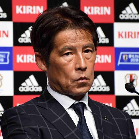 HLV Nhật Bản từng dự World Cup đòi lương 85 tỷ đồng mỗi năm, fan tuyển Thái rủ nhau góp tiền giúp Liên đoàn - Ảnh 2.