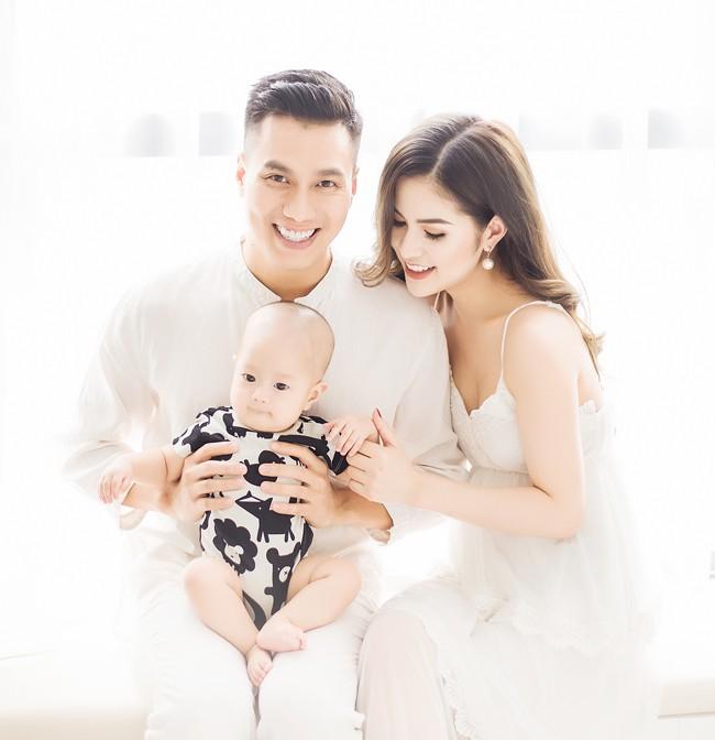 Vừa ly hôn vợ đã tổ chức tiệc độc thân ăn mừng, Việt Anh hứng gạch đá dữ dội từ netizen - Ảnh 4.
