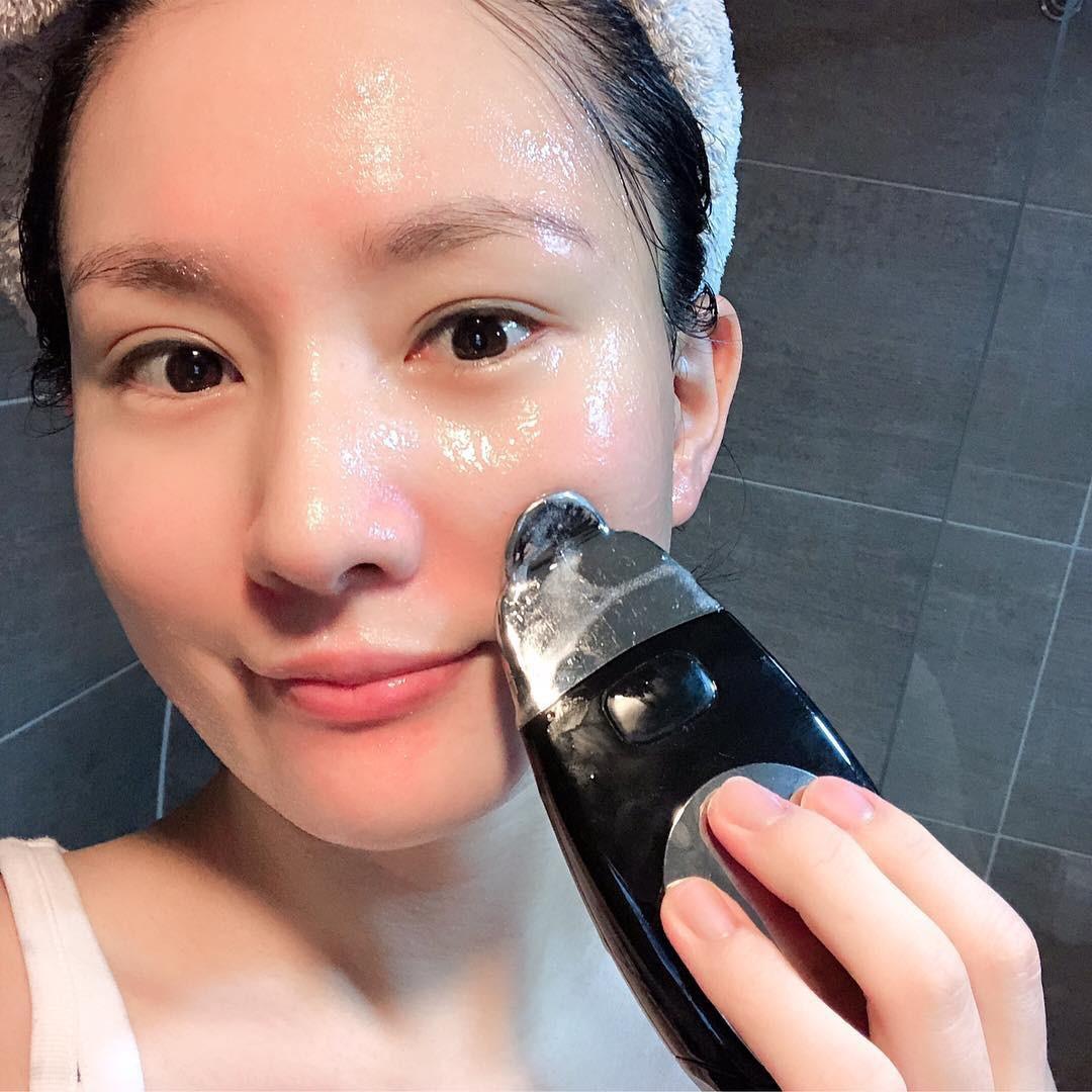Từ bỏ ngay 5 thói quen sau trước khi làn da của bạn trở nên xấu xí và già nua khó cứu vãn - Ảnh 1.
