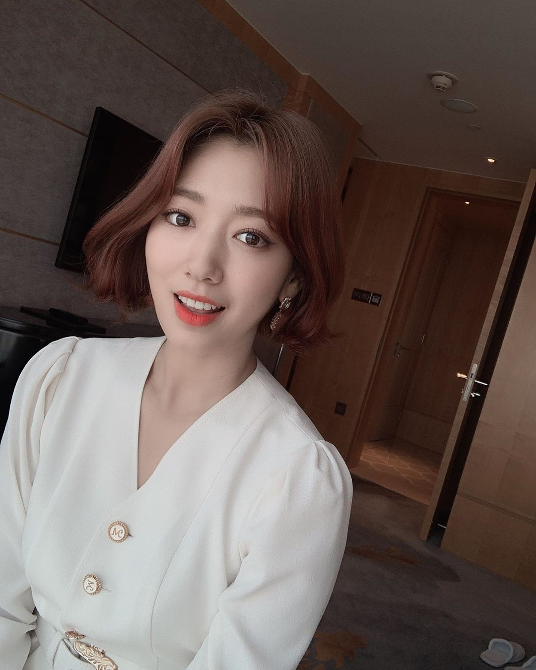Being praised for being shortened by short hair, anyone who thinks Park Shin Hye has just changed his long hair has reached a new level of beauty! - Photo 1.