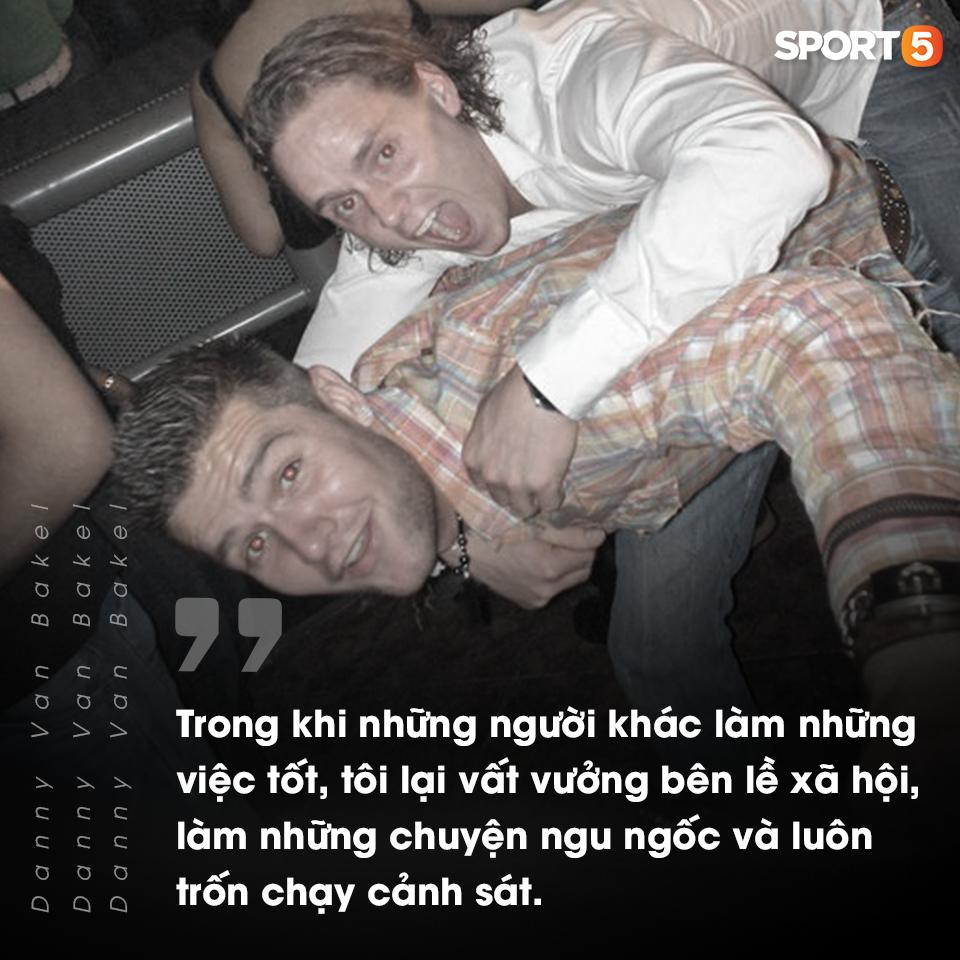 """Bóng đá Việt qua mắt cầu thủ ngoại (kỳ 4) Van Bakel: """"Tôi nợ Việt Nam rất nhiều, đất nước này cứu rỗi tôi, sau đó cho tôi sự nghiệp và một gia đình hạnh phúc cùng DJ Myno"""" - Ảnh 3."""