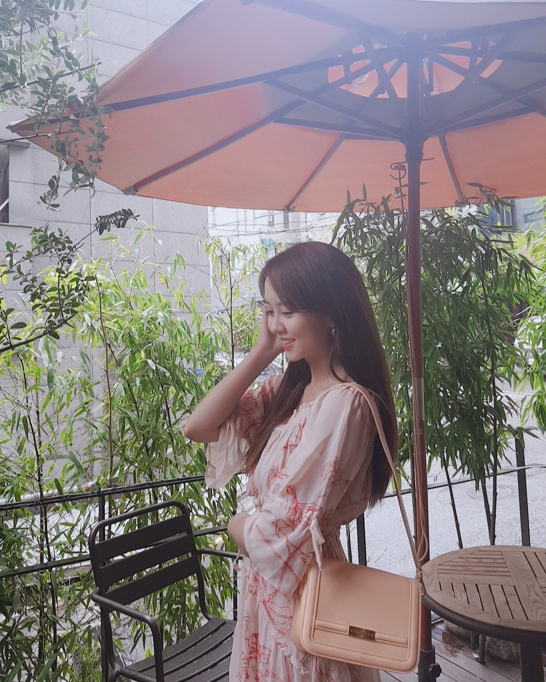 After Kim Yoo Jung, the young goddess Kim So Hyun bravely cut her long and beautiful hair causing a scene - Photo 4.