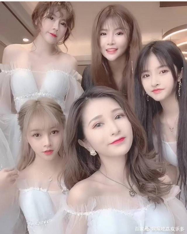 Ngã ngửa hôn lễ của mẫu nữ xứ Trung: Nhan sắc thảm họa từ cô dâu đến khách mời toàn hotgirl Weibo bị bóc trần - Ảnh 5.