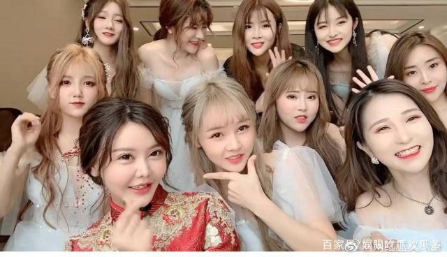 Ngã ngửa hôn lễ của mẫu nữ xứ Trung: Nhan sắc thảm họa từ cô dâu đến khách mời toàn hotgirl Weibo bị bóc trần - Ảnh 6.