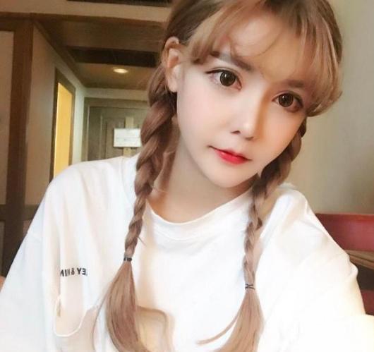 Ngã ngửa hôn lễ của mẫu nữ xứ Trung: Nhan sắc thảm họa từ cô dâu đến khách mời toàn hotgirl Weibo bị bóc trần - Ảnh 22.