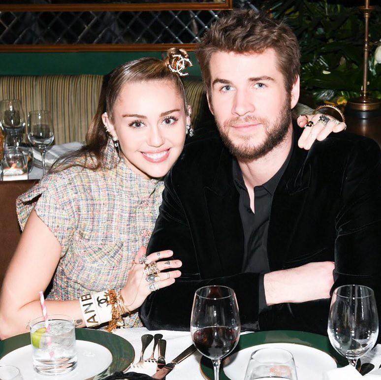 Cặp đôi vàng của làng Instagram Liam và Miley Cyrus đốn tim fan bằng những khoảnh khắc trẩu tre hết cỡ - Ảnh 2.
