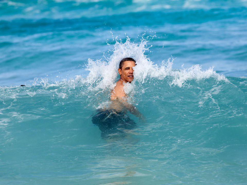 Kể từ khi rời Nhà Trắng, ông Obama cũng đã tự thưởng cho mình và gia đình vài kỳ nghỉ. Đầu tiên, họ tới miền nam California, rồi sau đó đến đảo Necker, nơi ông Obama được nhìn thấy cùng chơi lướt ván với ông trùm kinh doanh, đầu tư người Anh Richard Branson.