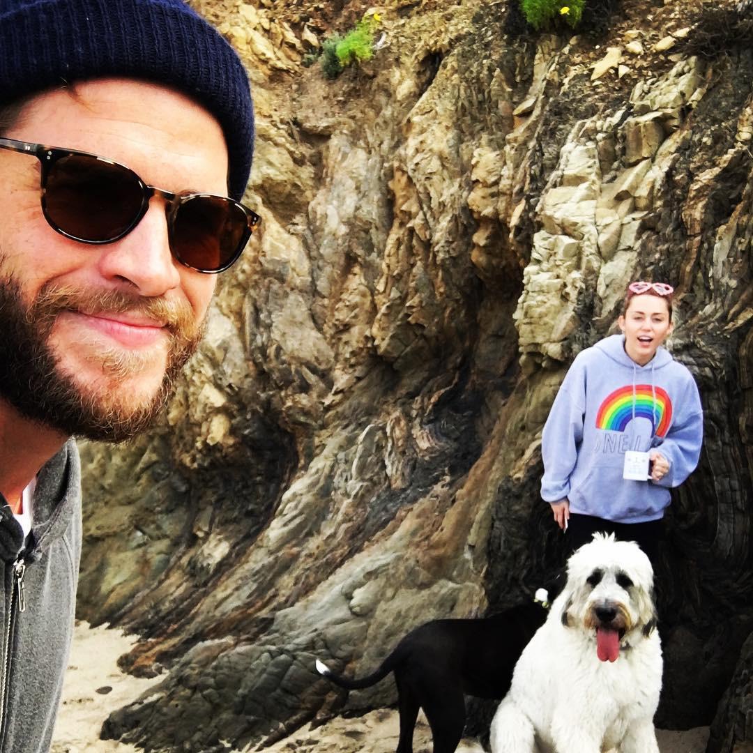 Cặp đôi vàng của làng Instagram Liam và Miley Cyrus đốn tim fan bằng những khoảnh khắc trẩu tre hết cỡ - Ảnh 10.