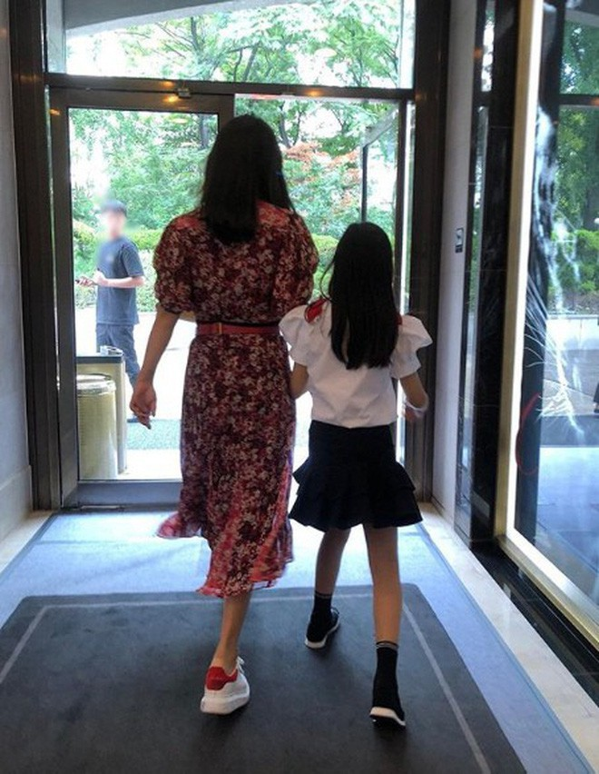 Cuộc đời xa hoa như mơ của con sao Hàn: 3 tuổi đã lên tạp chí, đắt show, có bé còn học trường phí hơn nửa tỉ mỗi năm - Ảnh 7.