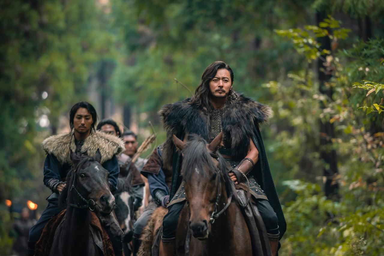 8 phim Hàn không nên bỏ lỡ nửa đầu năm 2019: Vía số 2 cực nặng vẫn chưa tác phẩm nào vượt qua được - Ảnh 21.