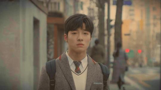8 phim Hàn không nên bỏ lỡ nửa đầu năm 2019: Vía số 2 cực nặng vẫn chưa tác phẩm nào vượt qua được - Ảnh 17.