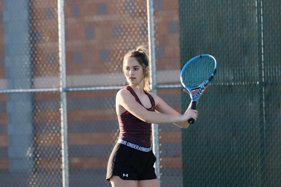 Ngỡ ngàng trước vẻ đẹp tựa thiên thần của nữ tay vợt 14 tuổi, gương mặt đủ sức thay thế tượng đài nhan sắc đình đám Maria Sharapova - Ảnh 5.