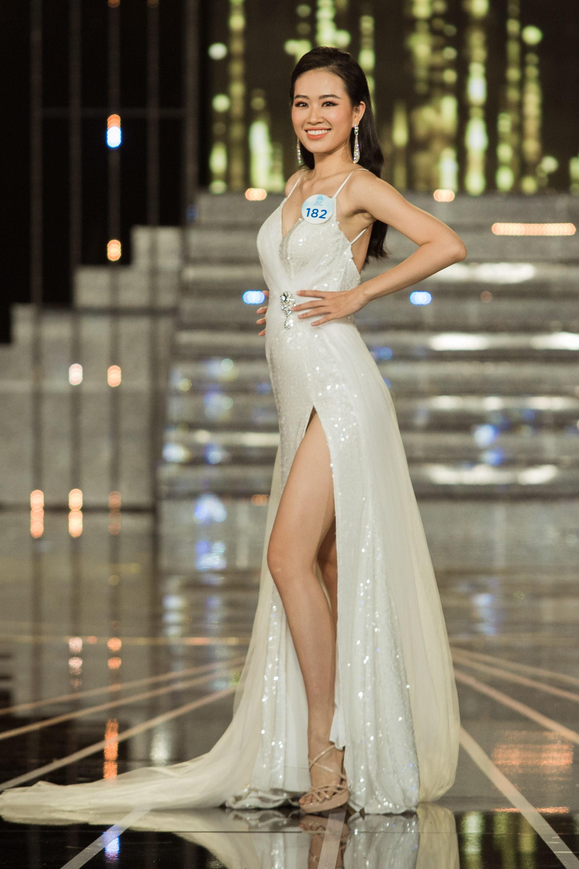 Đọ sắc vóc 20 mỹ nhân lọt Top, chạm gần tới tấm vé kế nhiệm Tiểu Vy lên đường đến Thái thi Miss World 2019 - Ảnh 16.