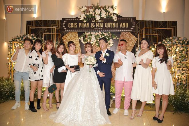 Streamer giàu nhất Việt Nam cùng dàn khách mời đình đám tại lễ cưới Cris Phan - Mai Quỳnh Anh - Ảnh 10.