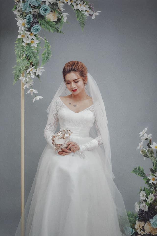 BB Trần gửi ảnh mặc áo cô dâu, đòi cướp chú rể Cris Phan nhưng khai tiệc rồi vẫn chưa thấy đến? - Ảnh 3.