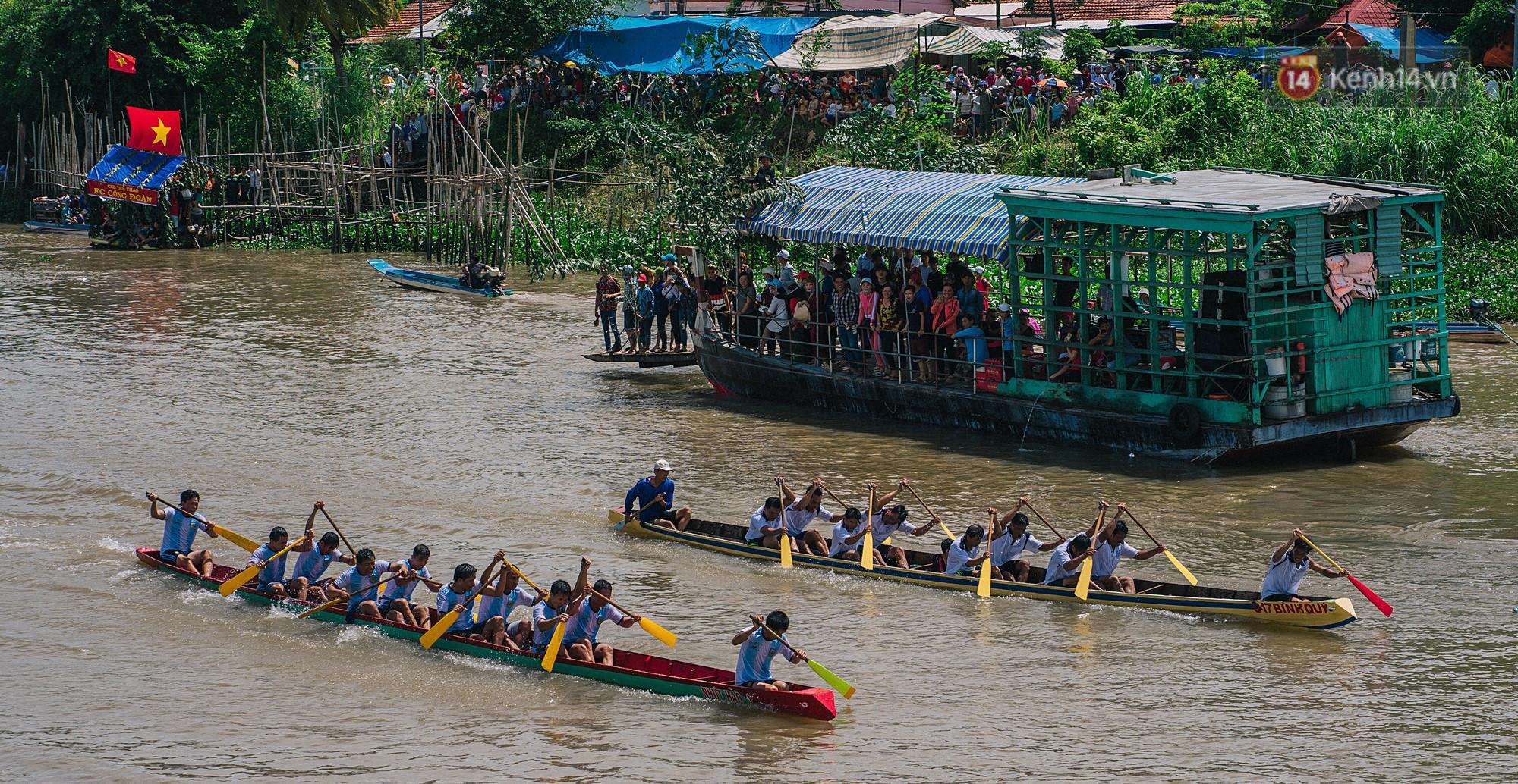 Vui hết nấc trong lễ hội Kỳ Yên ở An Giang: Người lớn trẻ nhỏ bôi lọ nghẹ khắp người, hóa thân thành... mọi - Ảnh 6.