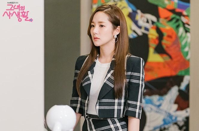 Phim Hàn gần đây có thể ảm đạm, nhưng thời trang trong đó vẫn là nguồn cảm hứng dạt dào cho chị em công sở - Ảnh 13.
