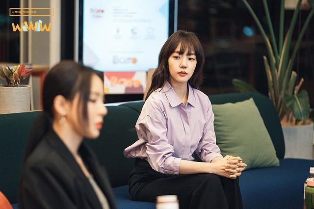 Phim Hàn gần đây có thể ảm đạm, nhưng thời trang trong đó vẫn là nguồn cảm hứng dạt dào cho chị em công sở - Ảnh 7.