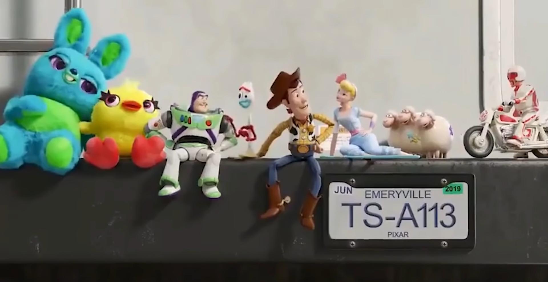 40 bí mật thú vị được giấu kĩ trong Toy Story 4 chỉ ai tinh mắt lắm mới thấy - Ảnh 26.