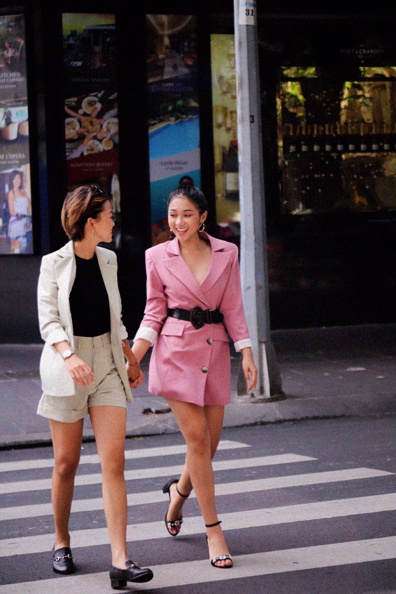 Khi gái đẹp yêu nhau: Hết Tiếng sét ái tình giữa 2 hot girl nóng bỏng lại có fan hùng hậu ở nước ngoài - Ảnh 9.