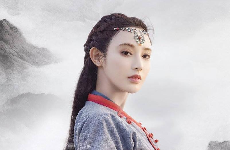 3 diễn viên lạ đời nhất phim Hoa Ngữ: Làm mỹ nhân cổ trang đẹp nhức nách, đóng hiện đại nhìn như osin - Ảnh 2.