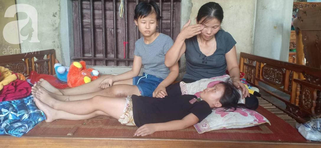 Tâm sự xót xa của bé gái 13 tuổi bị ung thư xương: Em con bị bướu cổ, con cưa chân rồi sao chăm sóc được em - Ảnh 1.